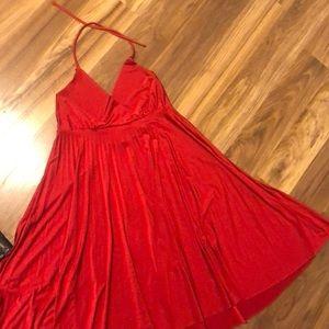 Soprano red silk dres